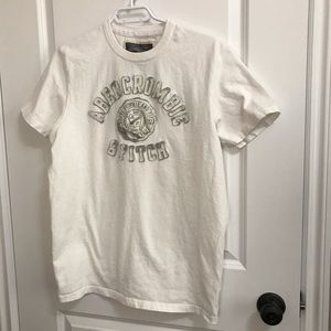 Abercrombie and Fitch Men's White T-shirt